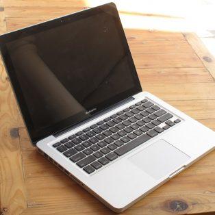 Jual Macbook Pro MD 101 Core i5 Mid 2012 bekas