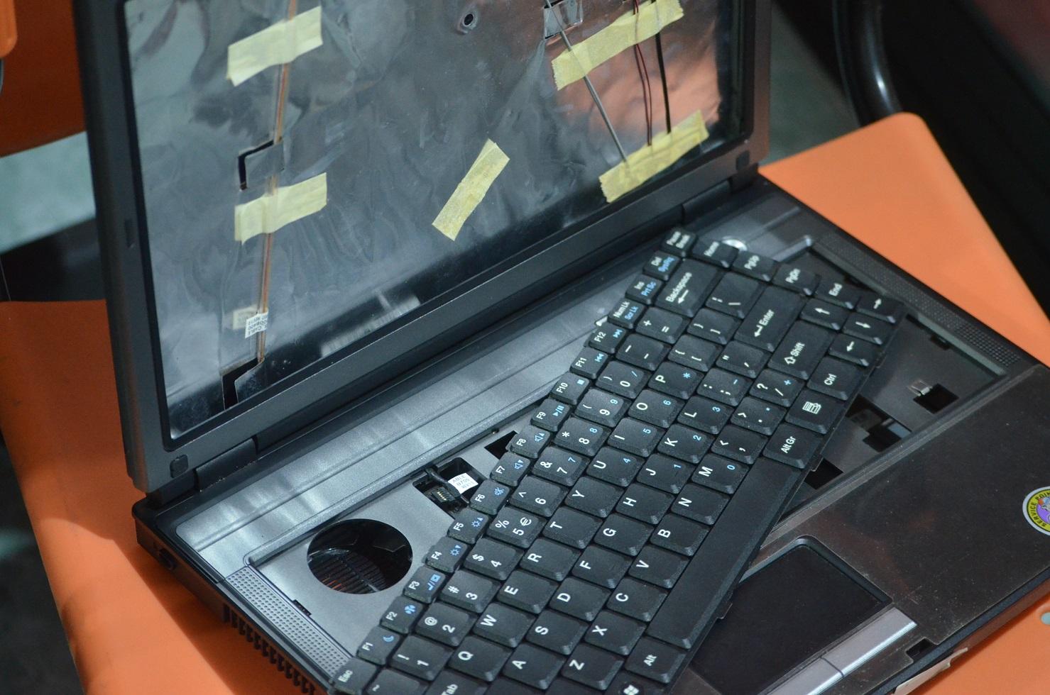 beli laptop mati rusak di malang