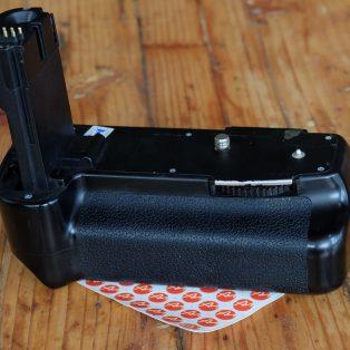 Jual Baterai Grip for Canon EOS 20D/30D/40D/50D