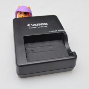 Jual Charger Canon 500D Baru