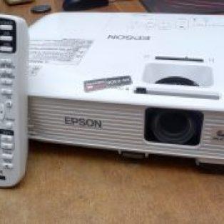 Jual Proyektor Epson EB  X300 Bekas