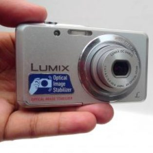Jual Digital Camera Panasonic Dmc-Fh4 Bekas