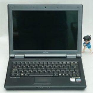Jual Laptop Fujitsu Esprimo U9200 Bekas