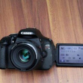 Jual Kamera Bekas Canon Kiss X5 ( Canon eos 600D )